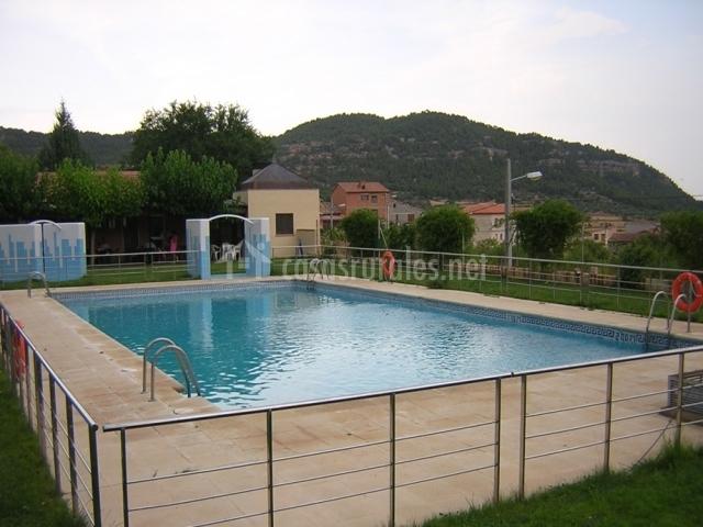Casa juano en rafales teruel for Piscina teruel