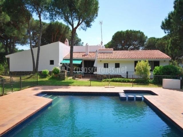 El rancho casas rurales en blanes girona for Casa rural girona piscina