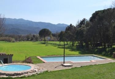 Casas rurales con piscina en parque natural del montseny for Piscinas del montseny