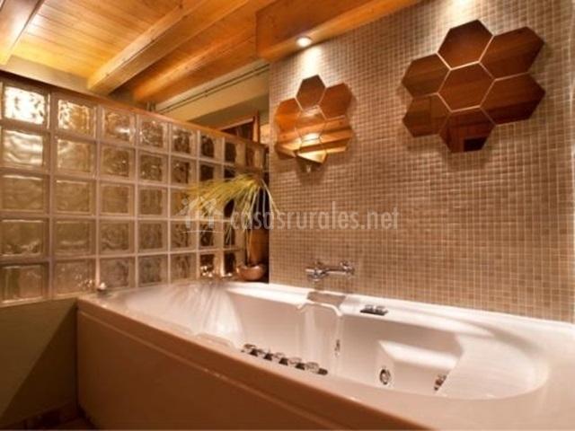 Gran bañera de hidromasaje