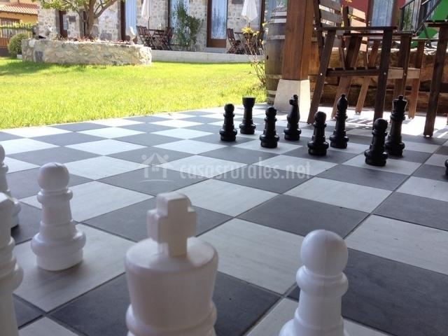 Apartamento agapanto en villahormes asturias for Ajedrez gigante jardin