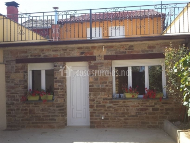 Casa de la abuela en ferreras de arriba zamora for Casa jardin culebra