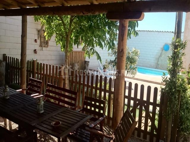 Casa rural el almendro en rozalen del monte cuenca for Alquiler chiringuito madera