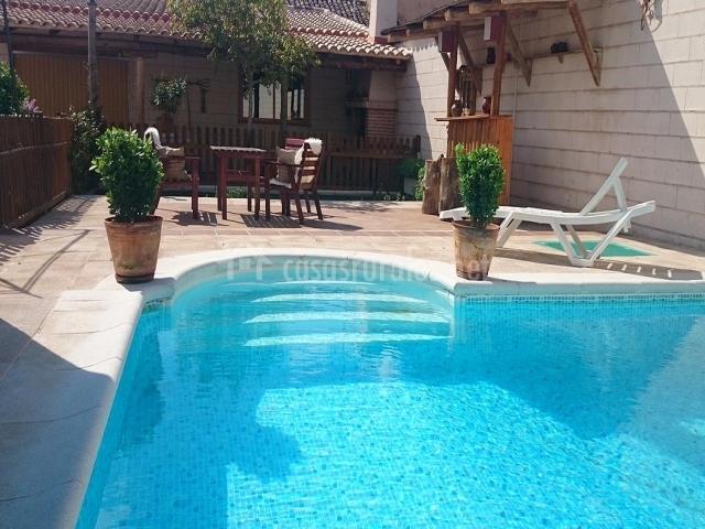 Casa rural el almendro en rozalen del monte cuenca - Casa de verano con piscina ...