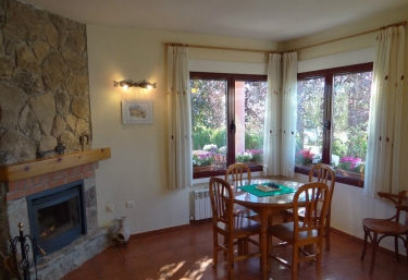 Alojamiento Turístico Abuela Paula - Trescasas, Segovia