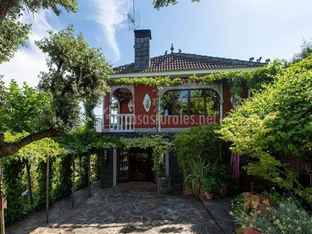 Casa jardin oriental en aldea del fresno madrid for Casa jardin madrid