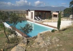 Chalet cotos casas rurales en cotos de monterrey madrid - Casas rurales madrid con piscina ...