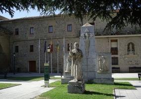 Estatua de Domingo