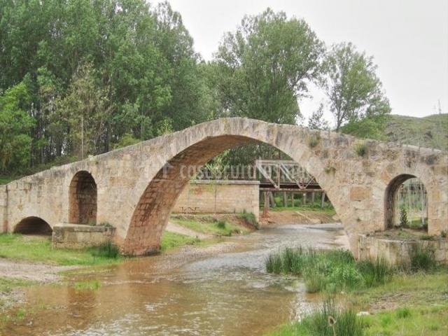 Puente Romano Matrimonio : Casa del cura apartamentos rurales en ferreruela de