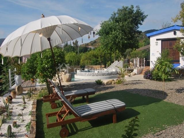La casa del loto en alora m laga for Casa rural jardin del desierto tabernas
