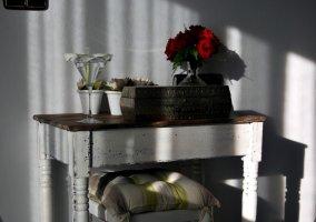 Mesa de adorno en la casa