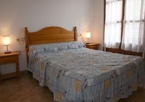 Dormitorio con luz