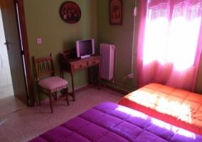 Dormitorio triple con baño propio