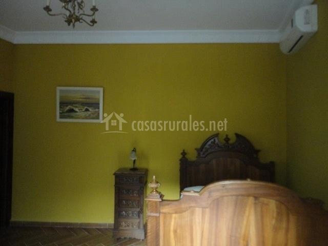 Dormitorio verde oliva