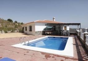 Casa rural y piscina