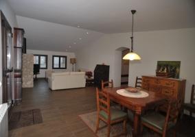 4 Sala de estar con mesa