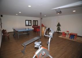 4 sala de juegos y gimnasio