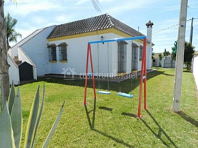 Villa nueva i en roche c diz for Jardin infantil nubesol villa alemana