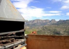 Barbacoa y vistas desde la terraza