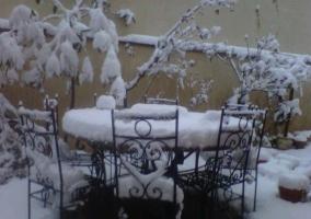 El patio nevado