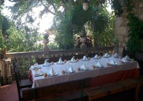 Mesa para celebraciones al aire libre
