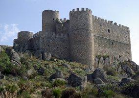 Castillo de Manqueospese en Sotalvo