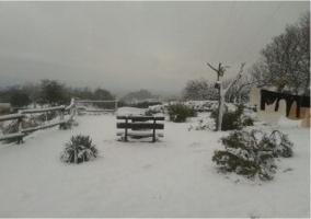Zona exterior y banco nevado