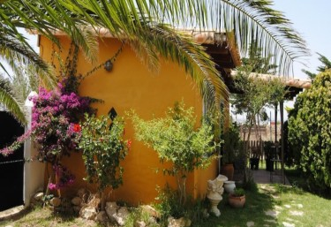 5 Holiday cottages, country houses with Pool in Zahara De