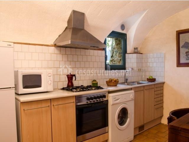 Casa la cort en calonge girona - La cocina en casa ...