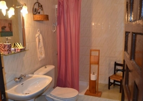 Habitación doble económica baño