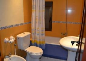 Habitación doble superior baño con bañera