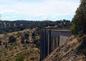 Puente en la Vía verde de La Jara