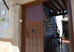 Puerta de acceso a la casa