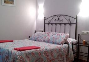 Dormitorio de matrimonio con armario