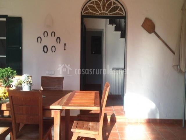 Nuestro porche con mesa