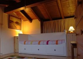 Altillo de la casa con cama nido