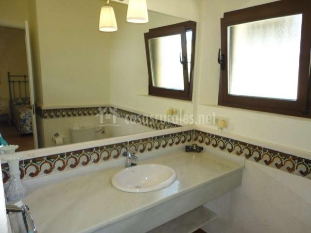 Baño privado de dormitorio