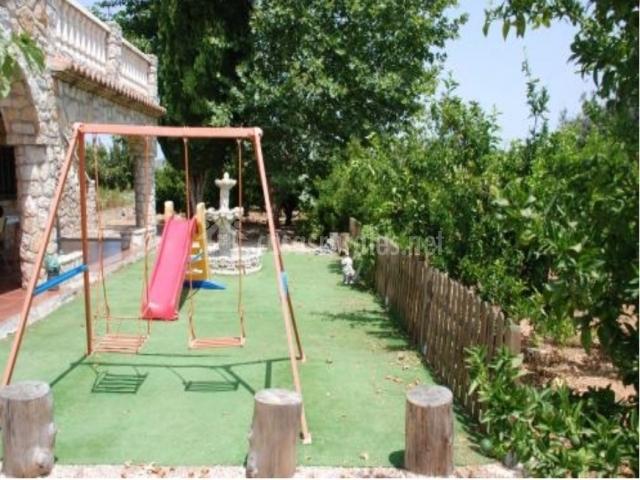 Casa rural el carrascal en anna valencia for Casas con piscina en galicia