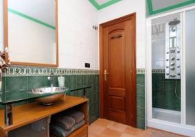 Dormitorio Suite doble y su aseo con ducha