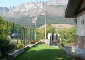 Vistas de las zonas verdes laterales con vistas