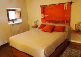 Dormitorio de matrimonio colorido