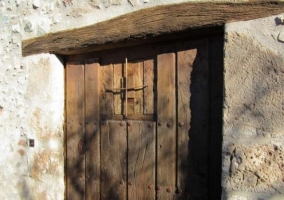 Rústica puerta de la casa