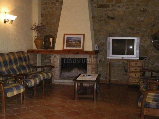 Hotel rural la pallissa en atzeneta del maestrat castell n - Chimeneas en castellon ...