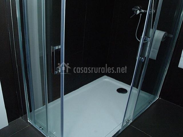 Plato de ducha baño gris