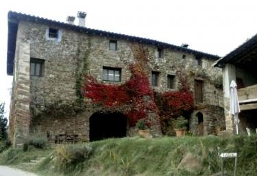 Vallmajor - Pueblo Montagut, Girona
