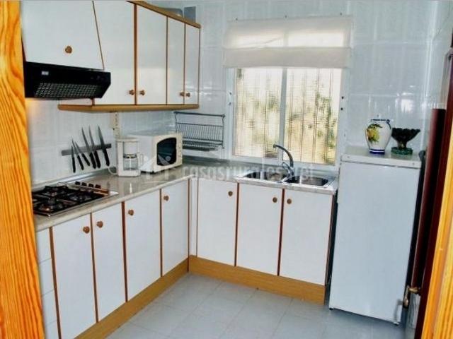 Teletec 1 en pozo de los frailes almer a for Cocinas baratas en almeria
