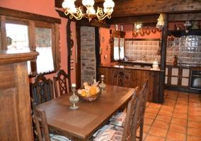Cocina de piedra de la casa rural
