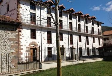 Apartamentos Turísticos Rincones del Vino - Ezcaray, La Rioja
