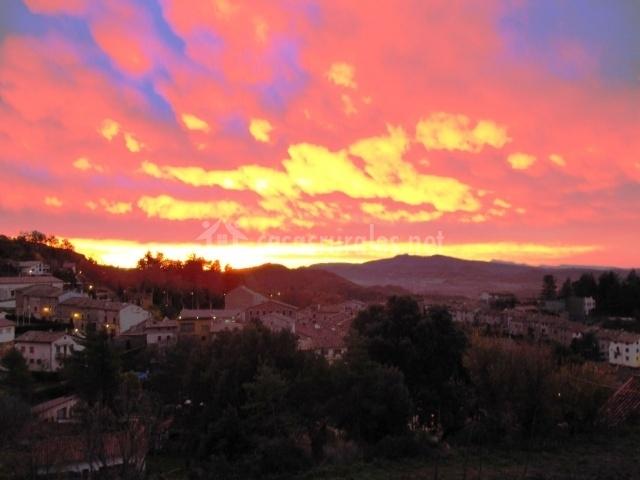 Alpens con el cielo rojo