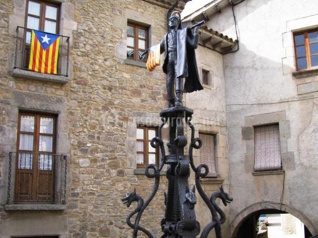 Escultura del pueblo de forja